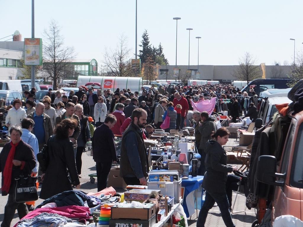Flohmarkt In Neutraubling