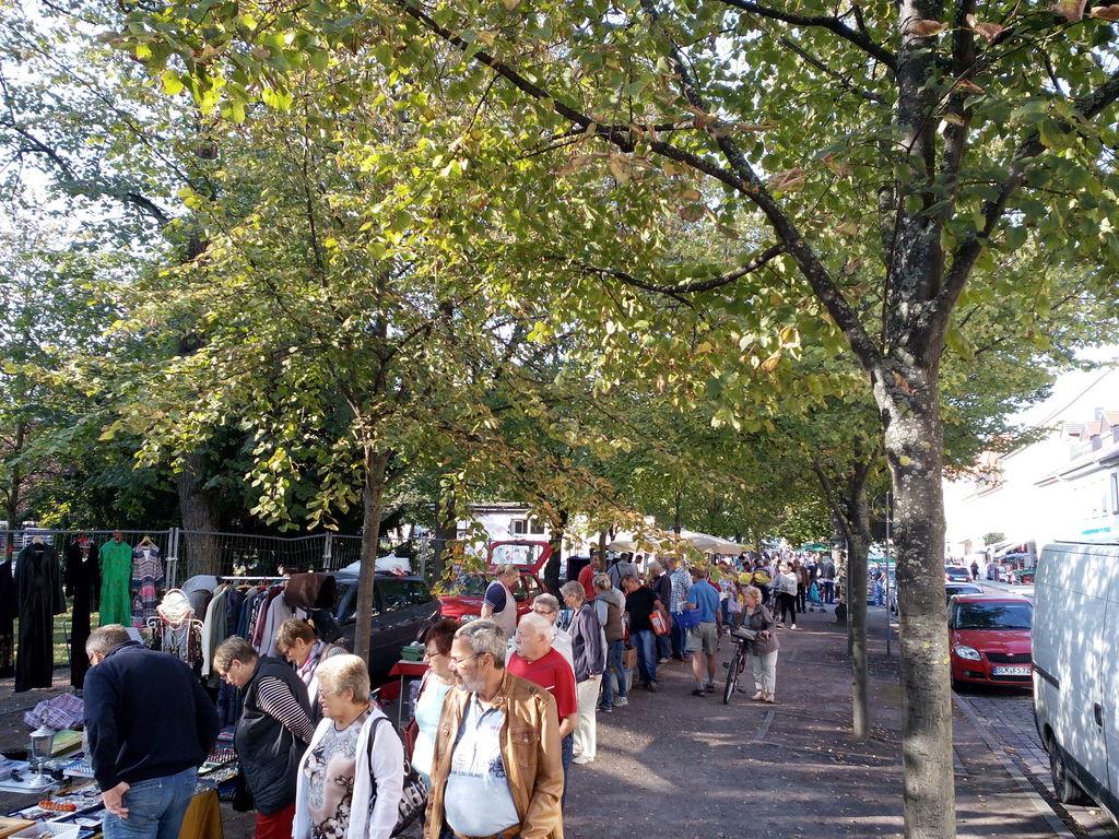 antik und flohmarkt oktoberfest bernburg in 06406 bernburg saale am 27 sep marktcom. Black Bedroom Furniture Sets. Home Design Ideas