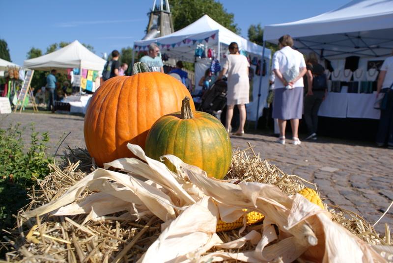 Park Fest mit Herbstmarkt im Brückenkopfpark in Jülich
