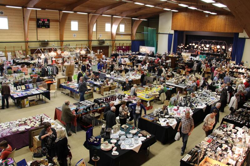 Antik-, Design-, LifeStyle- und Raritätenmarkt in der Festhalle Eupen-Kettenis