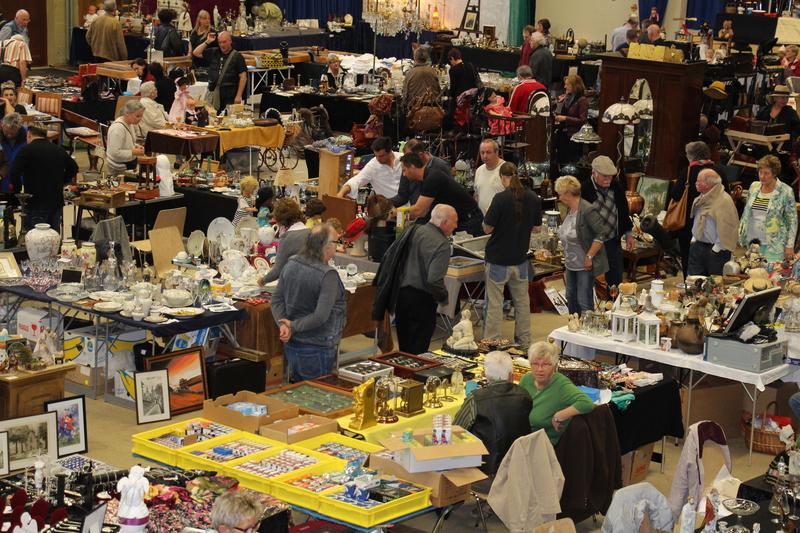 Antik-, Design-, LifeStyle- und Raritätenmarkt in der Messe Rheinberg