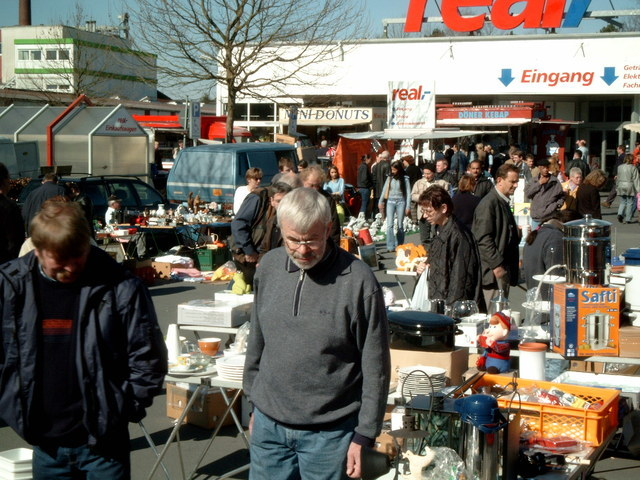 Gross Flohmarkt Lippstadt Real In 59557 Lippstadt Am 22 Apr
