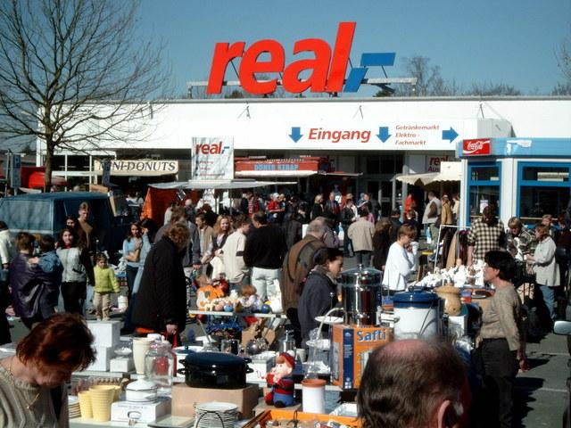 gro flohmarkt lippstadt real in 59557 lippstadt am 3 okt marktcom flohmarkt und. Black Bedroom Furniture Sets. Home Design Ideas