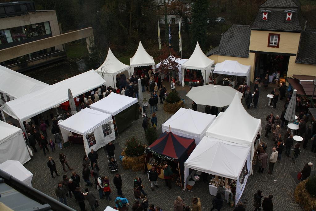 weihnachtsmarkt auf schloss eulenbroich in 51503 r srath am 1 dez marktcom flohmarkt und. Black Bedroom Furniture Sets. Home Design Ideas